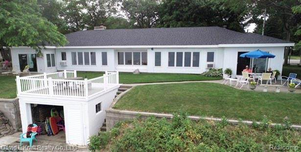 8900 Crescent Beach Road, Caseville Twp, MI 48755 (#2200055368) :: Alan Brown Group