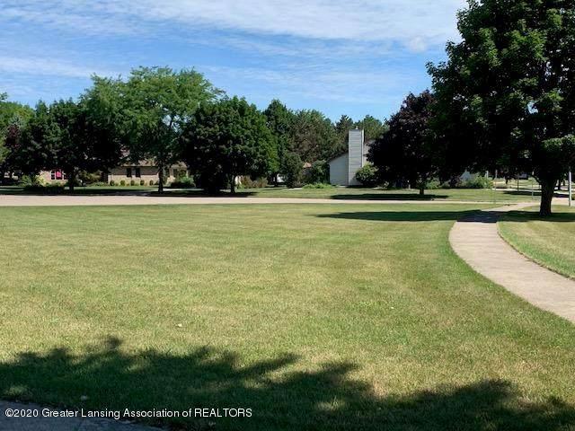 708 Greengate Circle, ST. JOHNS, MI 48879 (MLS #630000247915) :: The Toth Team