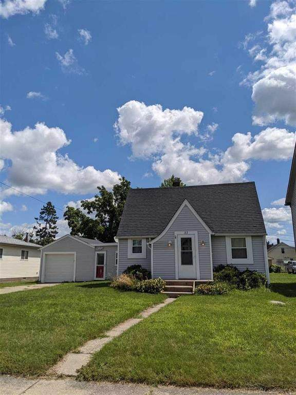 33 Logan, Mt. Clemens, MI 48043 (#58050019637) :: RE/MAX Nexus