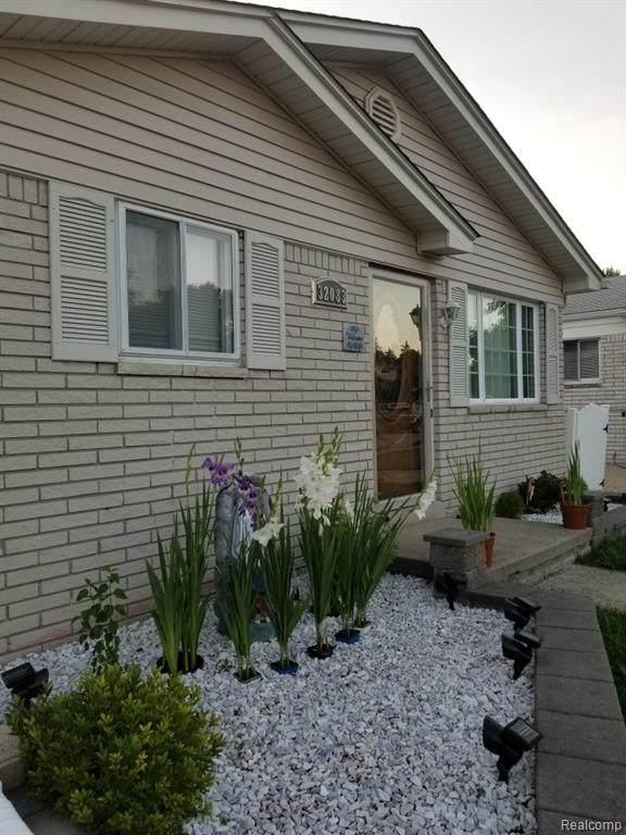 32083 Linderman Avenue, Warren, MI 48093 (#2200063539) :: Novak & Associates