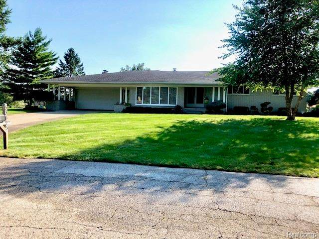 53623 Debra Dr Drive, Shelby Twp, MI 48316 (#2200063688) :: The Alex Nugent Team | Real Estate One