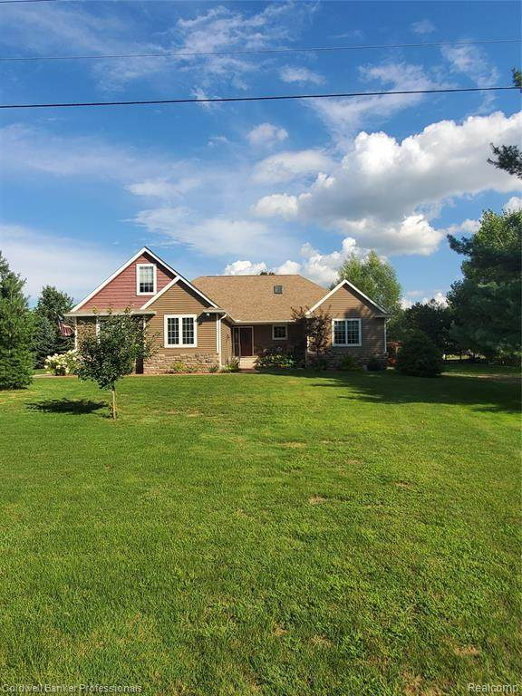 2201 St. Clair Hwy. Highway, East China Twp, MI 48054 (#2200070019) :: The BK Agency