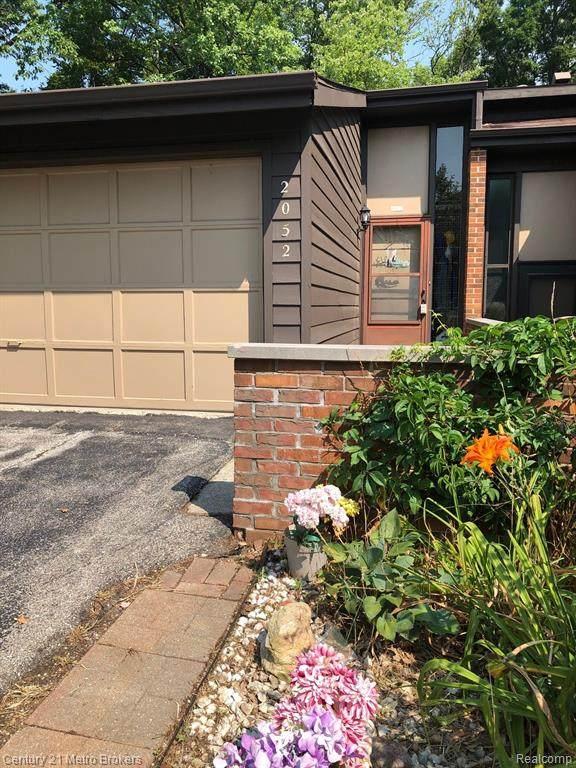 2052 Walden Court, Flint Twp, MI 48532 (#2200070339) :: GK Real Estate Team