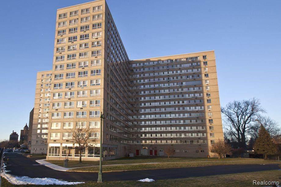 8900 Jefferson Avenue - Photo 1