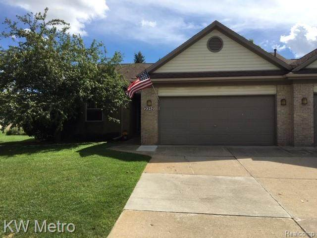 2252 Cedar Crest Boulevard, Commerce Twp, MI 48390 (#2200070839) :: Duneske Real Estate Advisors