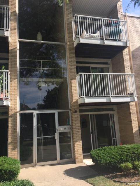 4913 Crooks Rd Apt G3, Royal Oak, MI 48073 (#2200072488) :: Duneske Real Estate Advisors