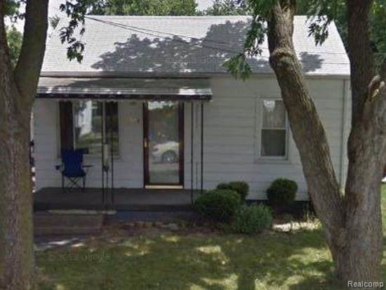 1204 Norton Street, Burton, MI 48529 (#2200072651) :: BestMichiganHouses.com