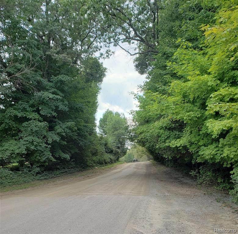 000 Pleasant Valley Road - Photo 1