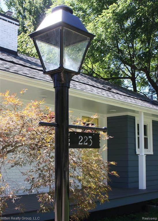 223 Russell Street - Photo 1