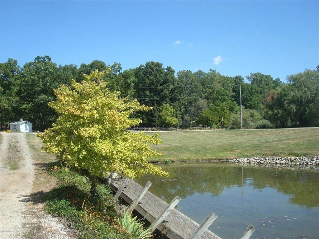 14048 View Dr - Photo 1