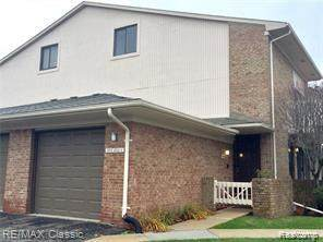 6718 Maple Lakes Drive, West Bloomfield Twp, MI 48322 (#2200074971) :: The BK Agency