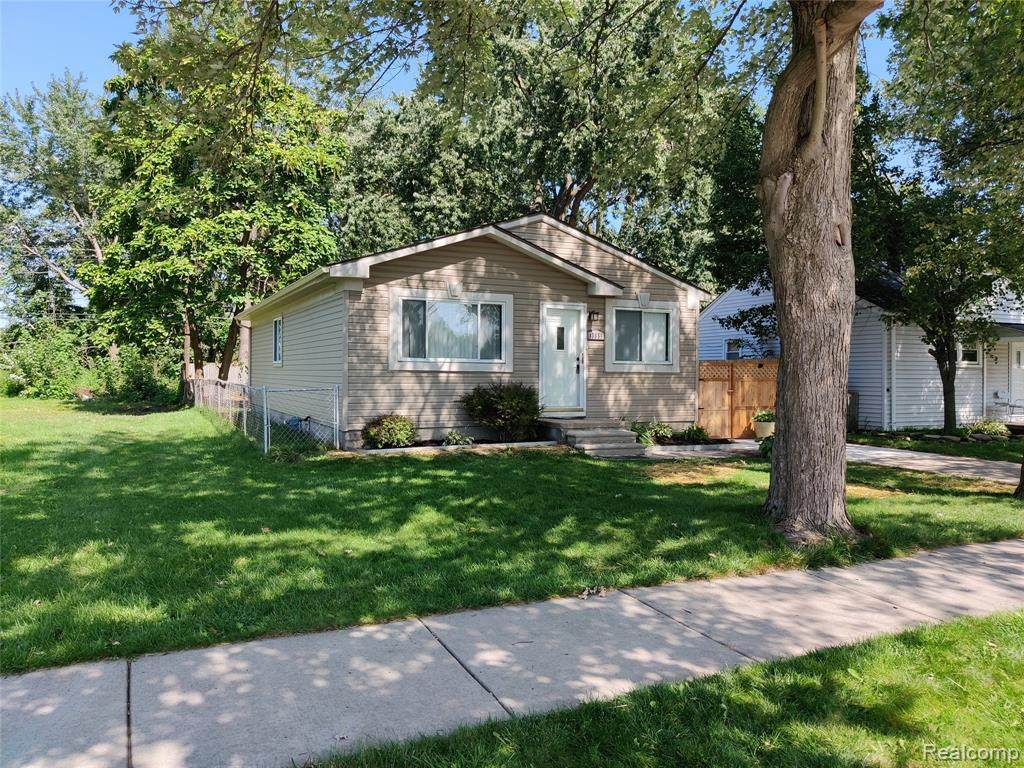 13655 Couwlier Avenue - Photo 1