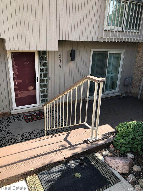 804 Oakbrook Ridge Drive, Rochester Hills, MI 48307 (#2200077010) :: GK Real Estate Team