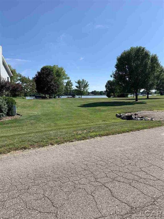 8248 Odowling, Franklin Twp, MI 49265 (#56050024029) :: The BK Agency