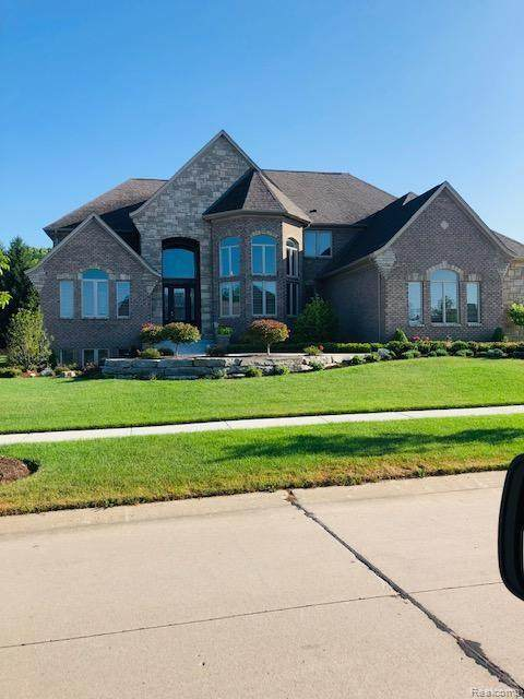 N/A Fieldcrest, Rochester Hills, MI 48307 (#2200078874) :: The Mulvihill Group