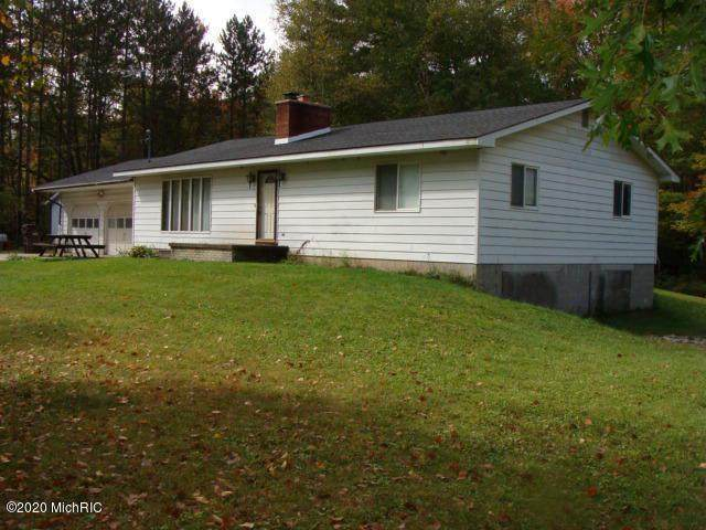 4757 N Flajole Rd, Out Of Area, MI 48652 (#53020040832) :: The BK Agency