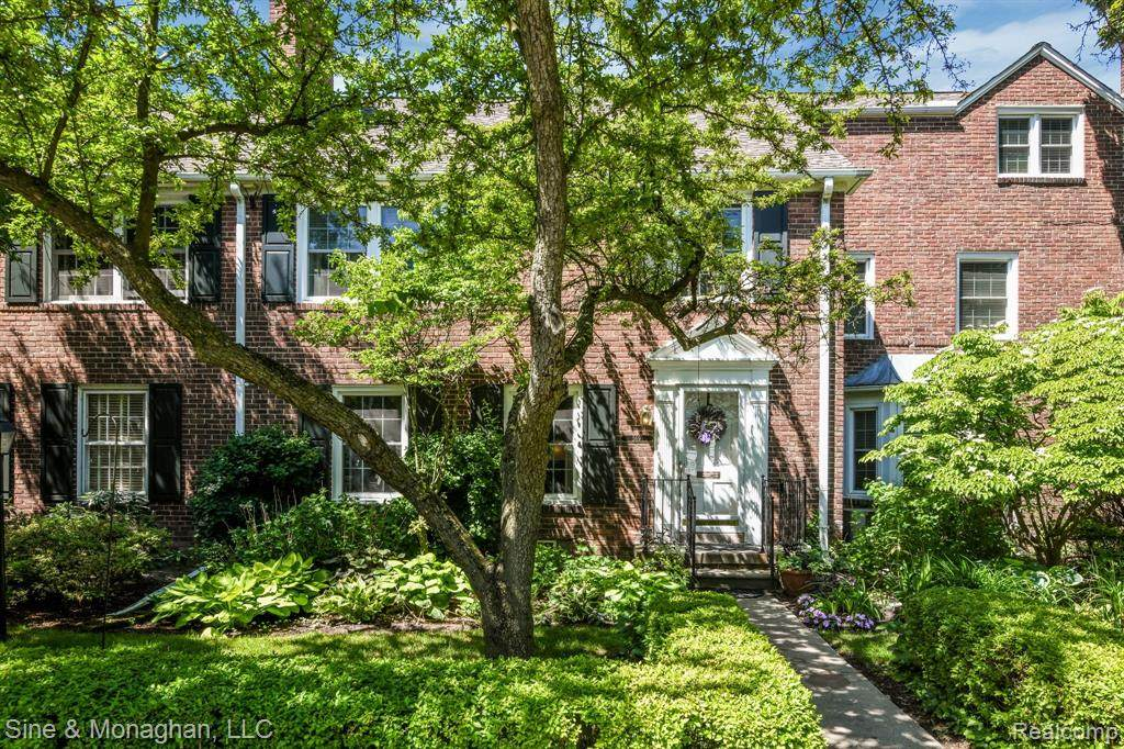569 Notre Dame Street - Photo 1