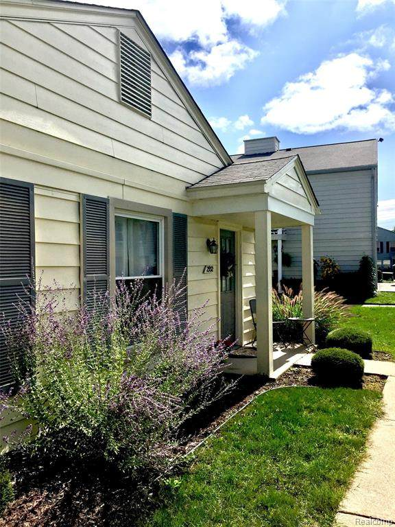 2932 Meadowbrook Court, Orion Twp, MI 48360 (#2200083395) :: Alan Brown Group