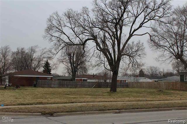 12889 Eleven Mile, Warren, MI 48088 (#2200083736) :: Keller Williams West Bloomfield