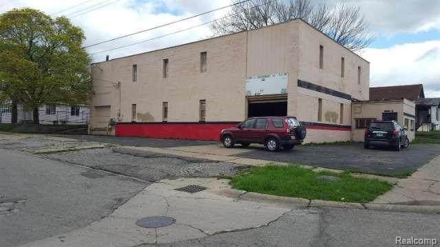 2403 Fenton Road, Flint, MI 48507 (MLS #2200086287) :: The John Wentworth Group