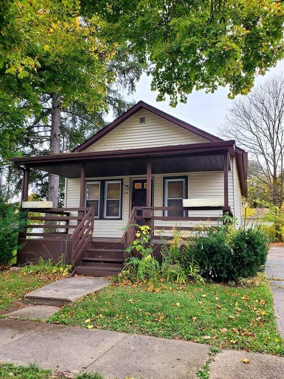 918 Everett, Lansing, MI 48915 (#630000250772) :: GK Real Estate Team