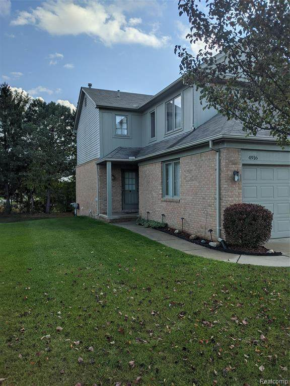 4916 Royal Cove Drive #12, Shelby Twp, MI 48316 (#2200087292) :: The Mulvihill Group
