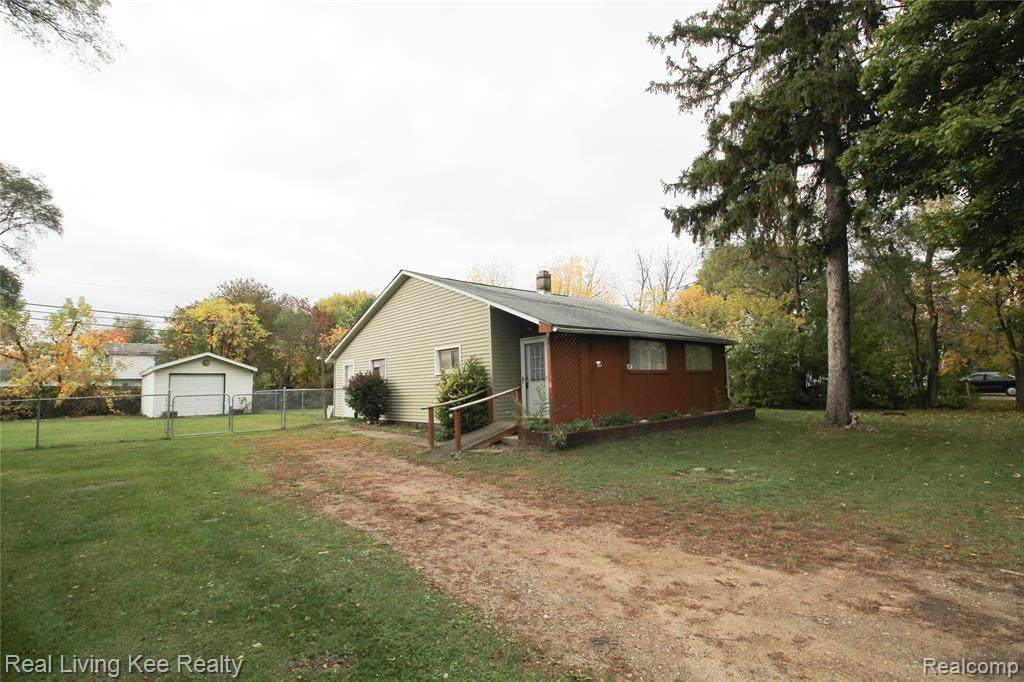 47747 Dequindre Road - Photo 1