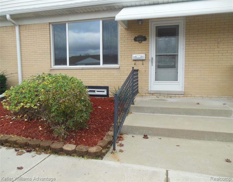 49952 Helfer Boulevard - Photo 1