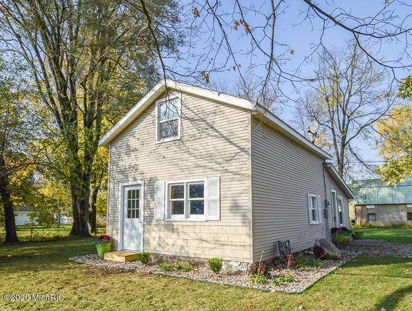 35 Lawton St, COLDWATER CITY, MI 49036 (MLS #62020044829) :: The John Wentworth Group