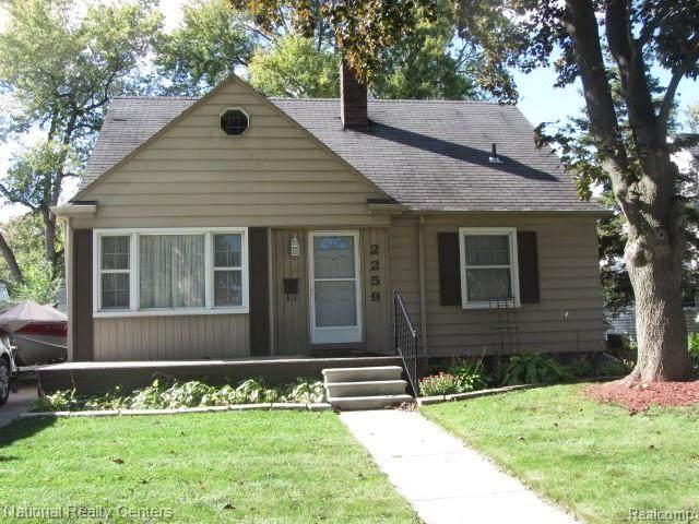 2259 Bacon Avenue, Berkley, MI 48072 (MLS #2200088360) :: The John Wentworth Group