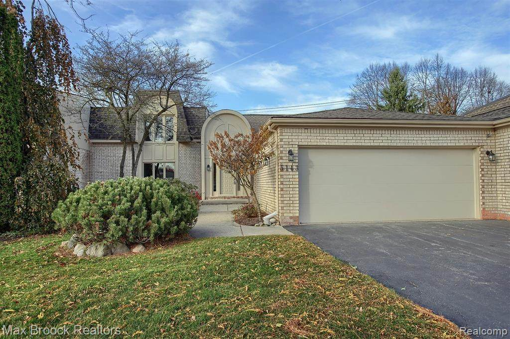 5143 Woodlands Drive - Photo 1