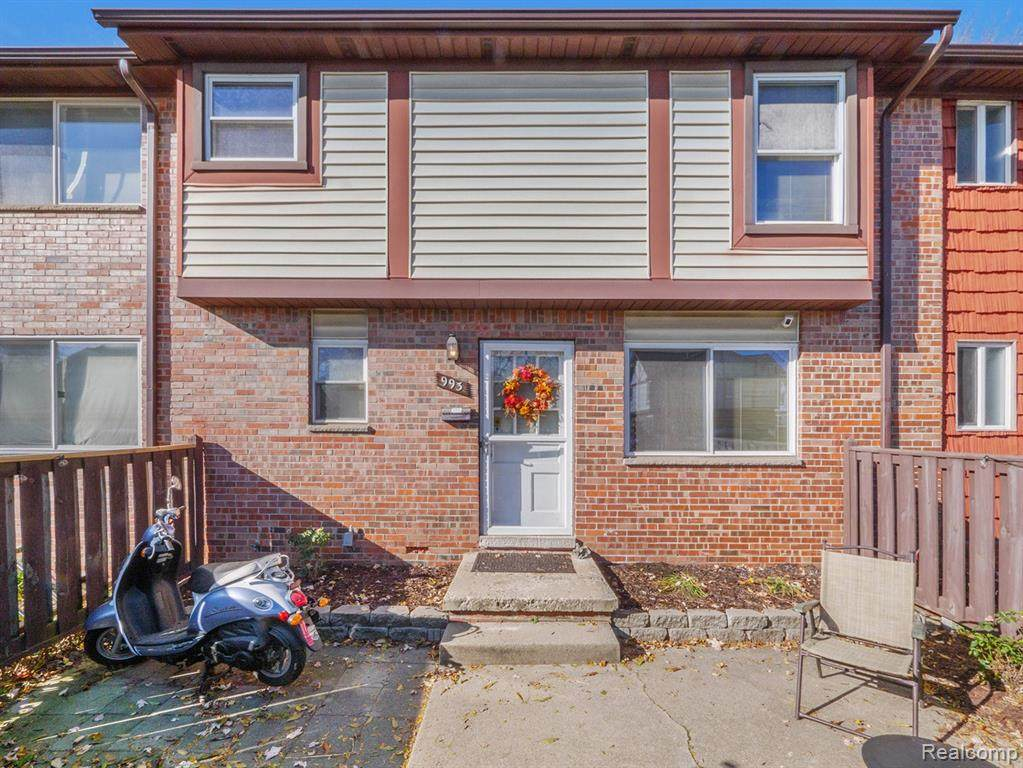 993 Terrace Lane - Photo 1