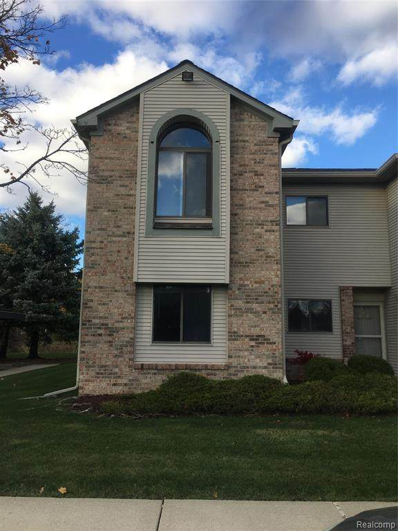 42542 Lilley Pointe Drive, Canton Twp, MI 48187 (#2200088873) :: BestMichiganHouses.com