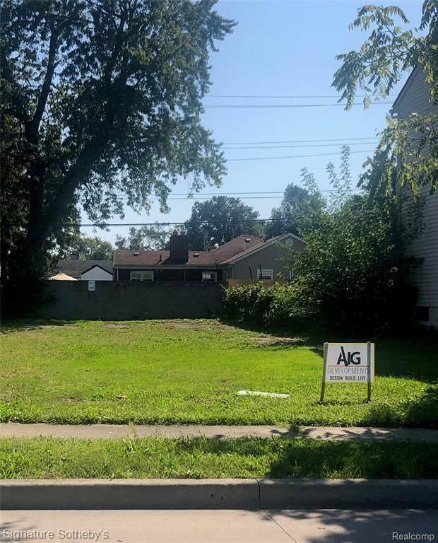 582 E Mahan Avenue, Hazel Park, MI 48030 (MLS #2200088953) :: The Toth Team