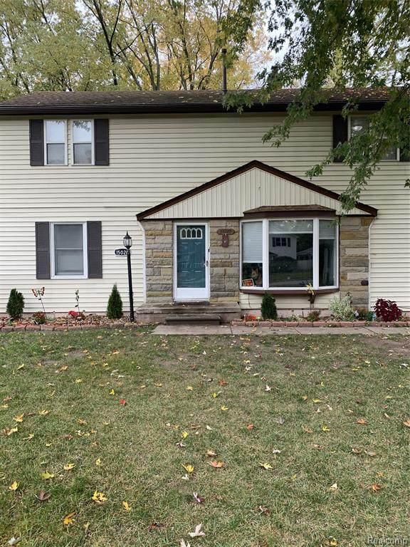 15020 Lyons Street, Livonia, MI 48154 (#2200089568) :: GK Real Estate Team