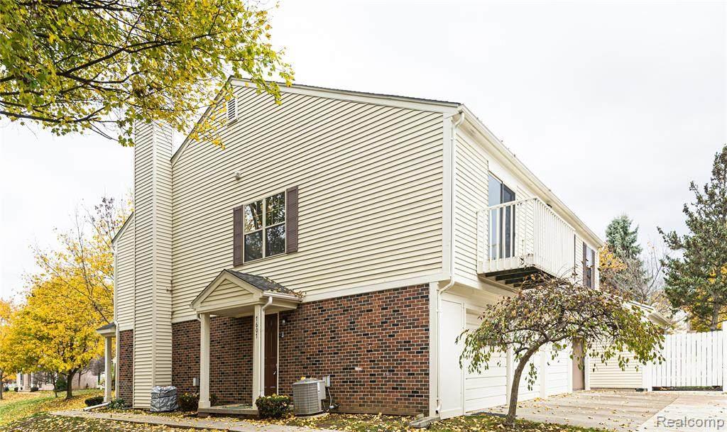 7607 Woodview Drive - Photo 1
