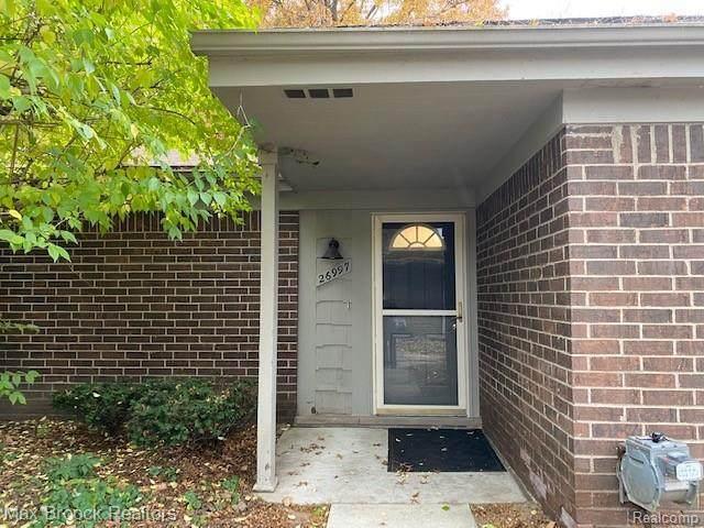 26997 Farmbrook Villa Drive, Southfield, MI 48034 (#2200089933) :: GK Real Estate Team