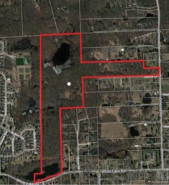 000 Ormond Rd, White Lake Twp, MI 48383 (#2200089958) :: Keller Williams West Bloomfield