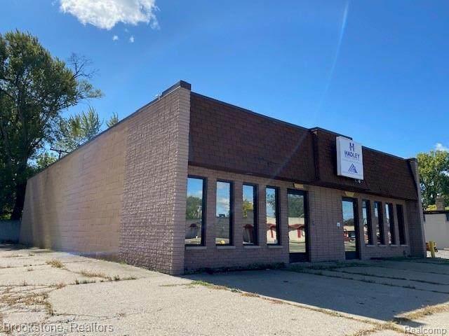 15210 10 MILE RD RD, Eastpointe, MI 48021 (#2200091049) :: GK Real Estate Team