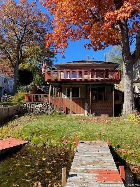 533 Bellevue Avenue, Lake Orion Vlg, MI 48362 (#2200091362) :: The Mulvihill Group