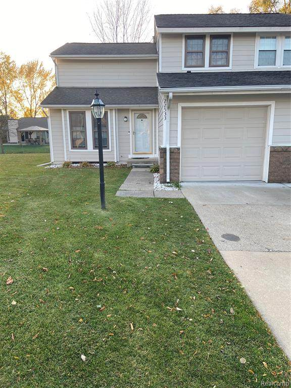 22533 Cranbrooke Drive, Novi, MI 48375 (#2200091726) :: Robert E Smith Realty