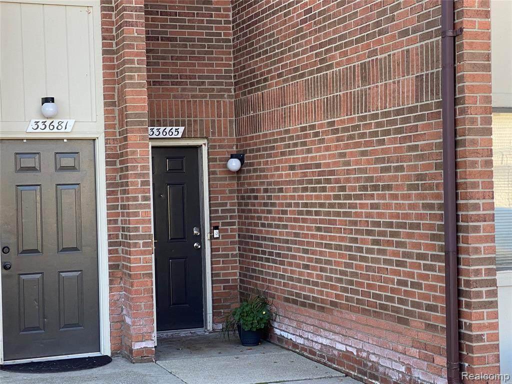 33665 Pondview Circle - Photo 1