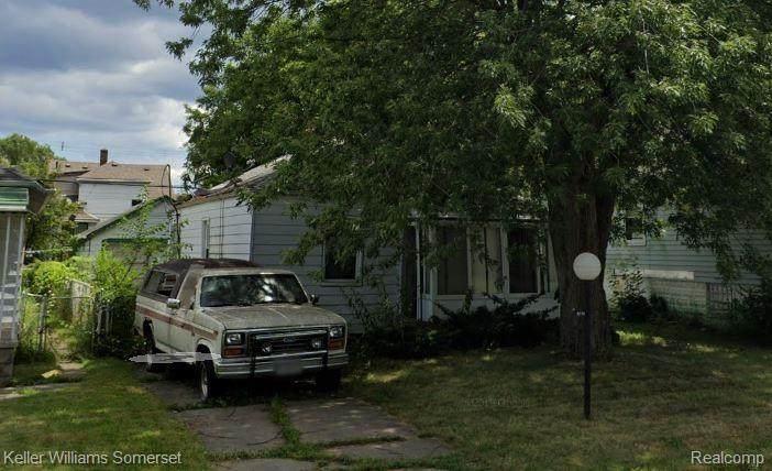 18644 Syracuse Street - Photo 1