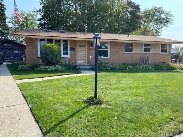 31140 Edgeworth Drive, Madison Heights, MI 48071 (#2200093842) :: Robert E Smith Realty
