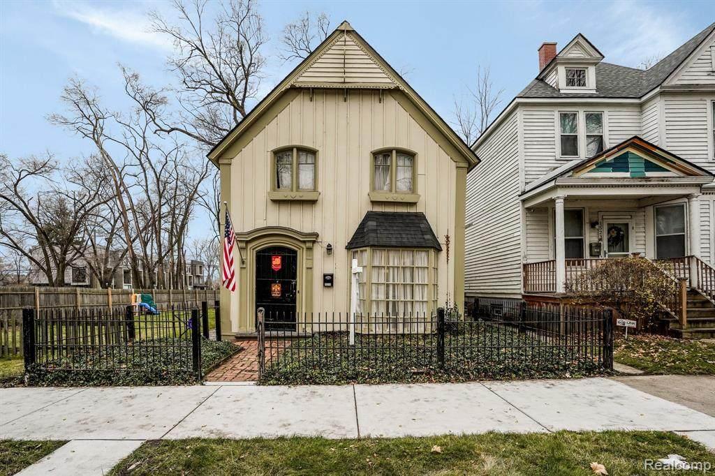 1515 Parker Street - Photo 1