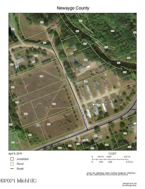 265 E Echo Drive, Everett Twp, MI 49349 (#72020016809) :: The Merrie Johnson Team