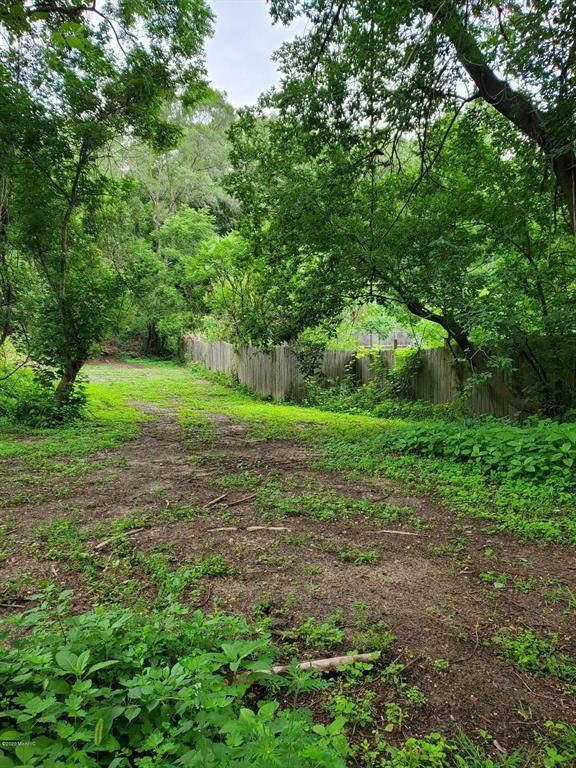 14750 Beadle Lake Road, Emmett Twp, MI 49015 (#64020028634) :: The Mulvihill Group