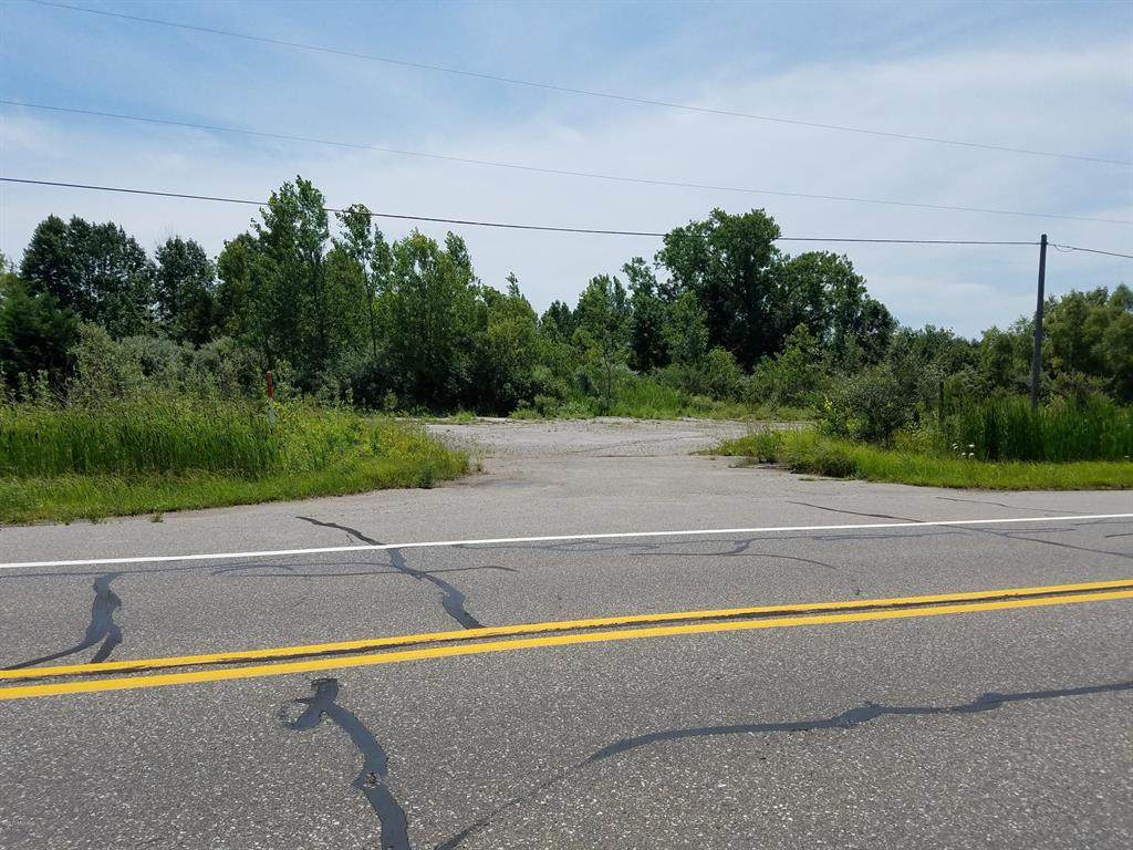 3613 M 63 Highway - Photo 1