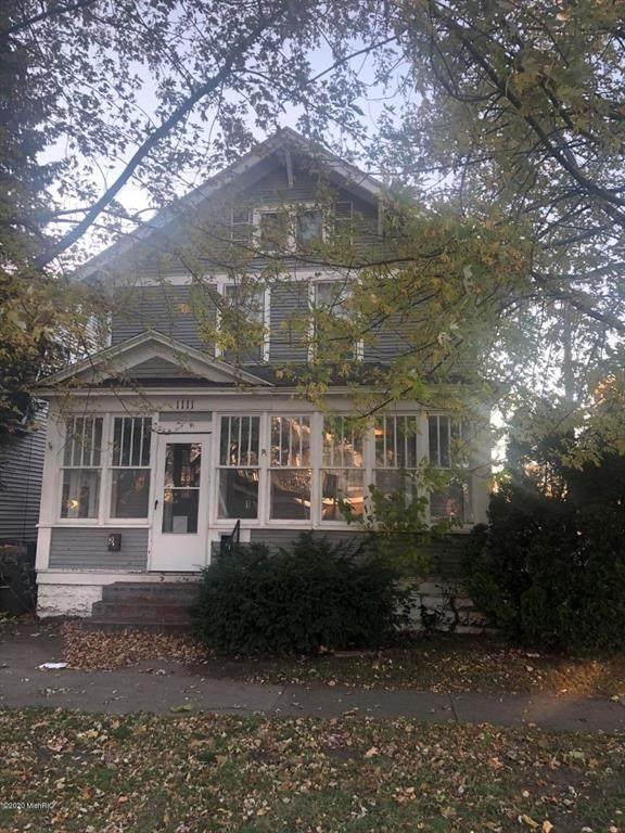1111 Sanford Street, Muskegon, MI 49441 (#65020046303) :: The Alex Nugent Team | Real Estate One
