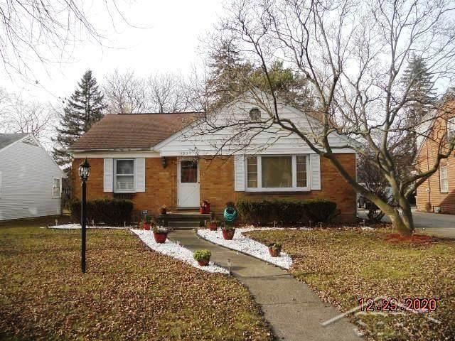 1955 Harry St, Saginaw, MI 48602 (#61050031349) :: The Alex Nugent Team   Real Estate One